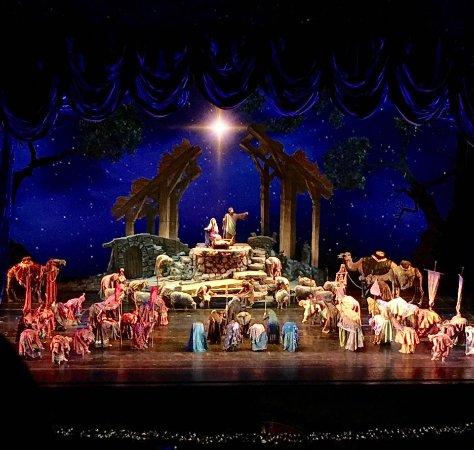 beautiful-nativity-scene