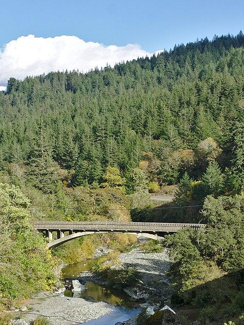 500px-Bridgeville_CA_Bridge